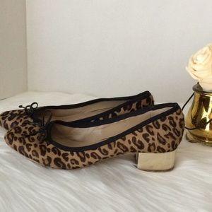 Banana Republic Leopard print heel